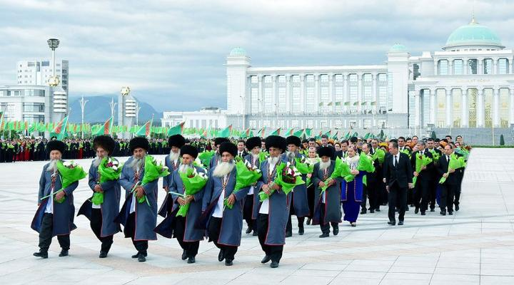 Türkmenistanyň Prezidenti baýramçylyk mynasybetli guralan dabaralara gatnaşdy