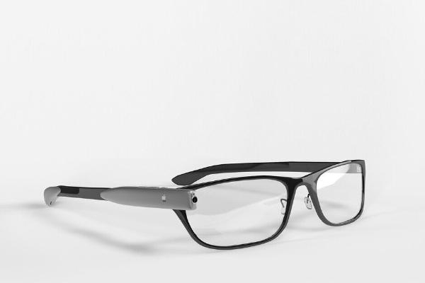 Apple kompaniýasy Apple Glasses akylly äýneklerini taýýarlaýar