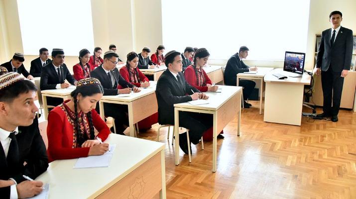 Вузы Туркменистана в этом году примут 14 тысяч 337 студентов