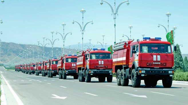 Türkmenistanda ýangyn söndüriş bölümlerine täze «KamAZ» awtoulaglary gelip gowuşdy