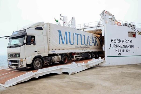 Туркменбаши и Баку увеличили перевалку крупнотоннажных транспортных средств