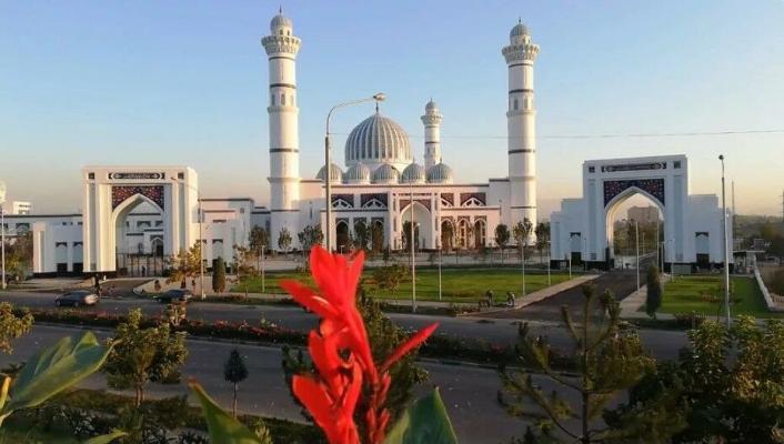 Народ Таджикистана отпразднует Курбан байрам, сидя в домах