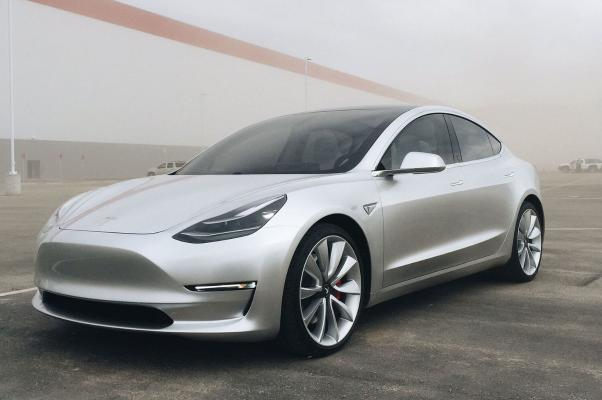 На китайском рынке автомобилей Tesla Model 3 пользуется большой популярностью