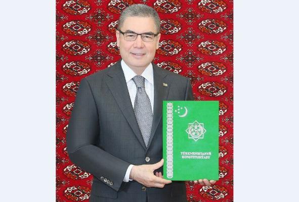 Konstitusion topar Türkmenistanyň Konstitusiýasyna üýtgetmeleri girizmek baradaky kanunyň taslamasyny tassyklady