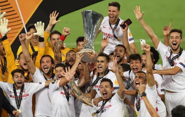 """""""Севилья"""" победила """"Интер"""" и стала шестикратным чемпионом Лиги Европы УЕФА"""
