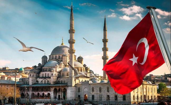 Турция примет до конца года 15 млн иностранных туристов