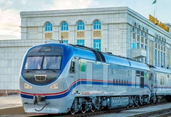 Приостановка движения поездов в Туркменистане продлена до 1 октября