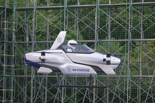 Воздушный автомобиль в Японии испытали с человеком на борту