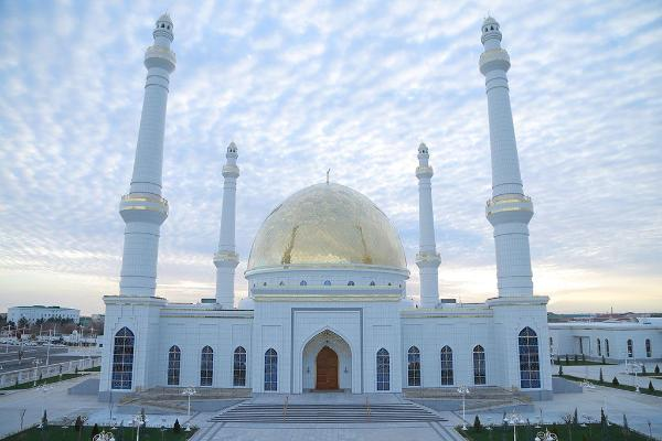 Профилактические меры в мечетях Туркменистана продлеваются