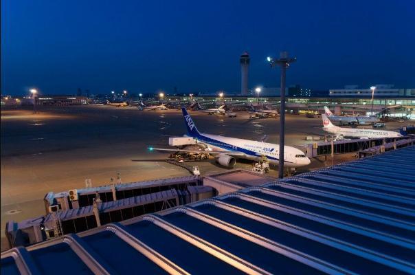 В Японии из-за тайфуна отменили около 600 авиарейсов