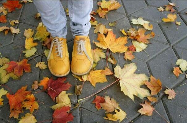Ортопед рассказал, какую обувь следует выбирать осенью