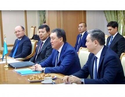 Hökümetara türkmen-gazak toparynyň nobatdan daşary mejlisi geçirildi
