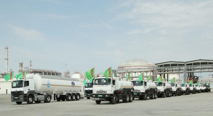 В Туркменистане зафиксирован рост объема экспорта бензина марки Эко-93