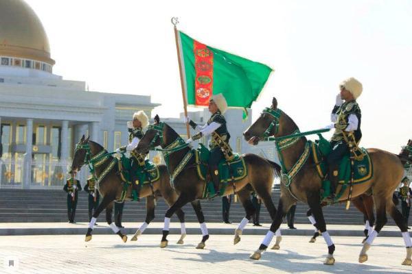 Мировые лидеры поздравили Туркменистан с днем независимости