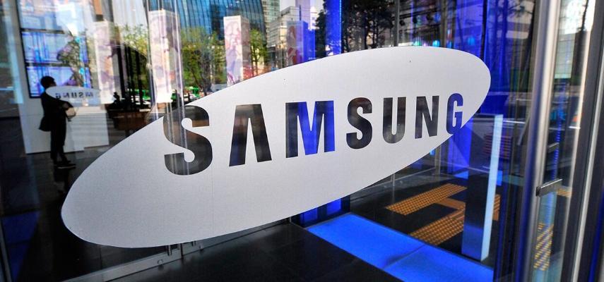 Samsung стала лидером продаж на рынке смартфонов в августе