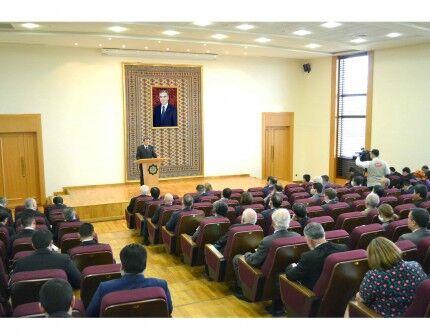 DIM-de Halk Maslahatynyň çözgütleri maslahatlaşyldy