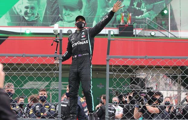 Хэмилтон побил рекорд Михаэля Шумахера
