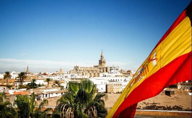 В Испании снова объявили ЧП из-за COVID-19