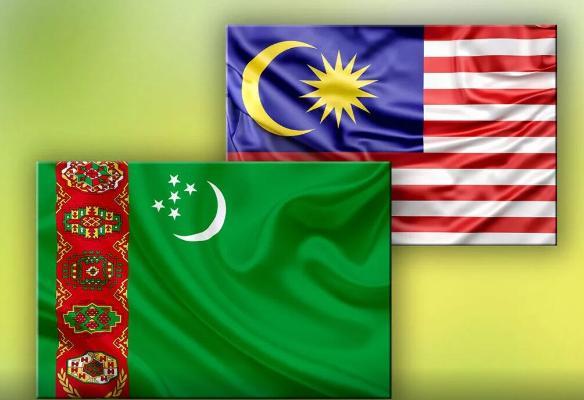 Türkmenistanyň Prezidenti Malaýziýanyň Premýer-ministri bilen söhbetdeş boldy