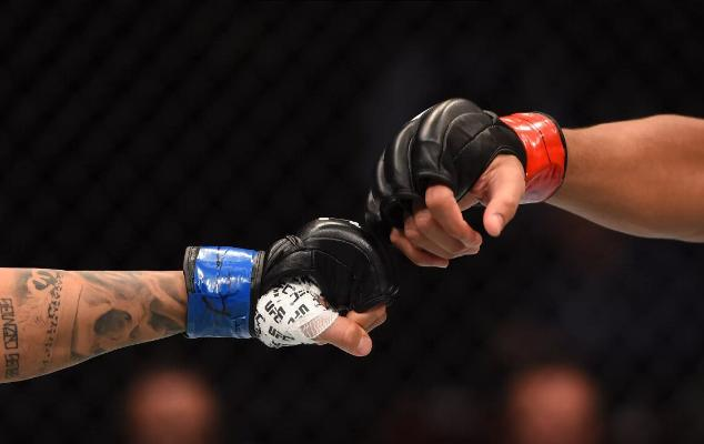 Туркменский боец Фуркадбек Каримов одержал победу на турнире ММА Серия-19