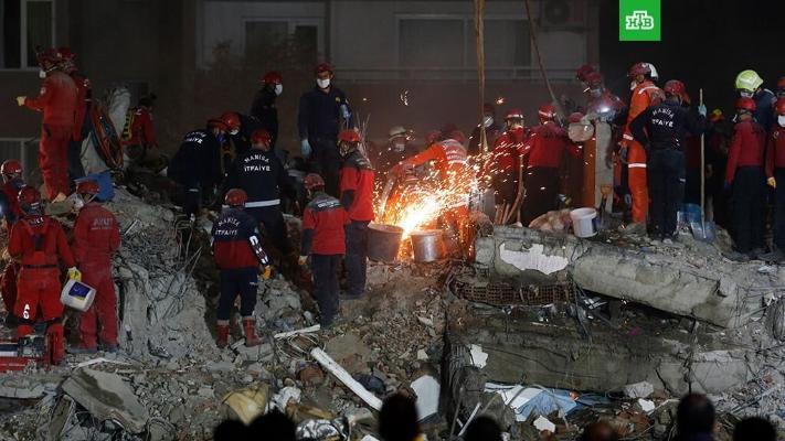 Число жертв землетрясения в турецком Измире достигло 102 человек