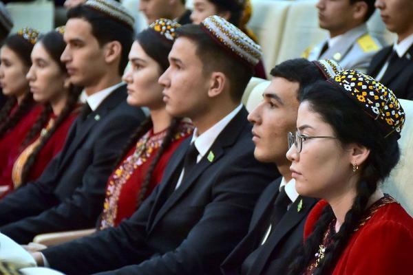 Türkmenistan Ukrainanyň ýokary okuw mekdeplerinde okaýan talyplaryň sany boýunça dördünji orunda durýar
