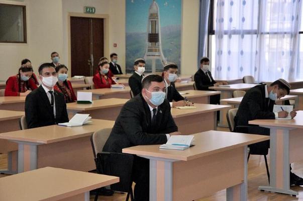 Будет организована доставка туркменских студентов-практикантов к местам учебы