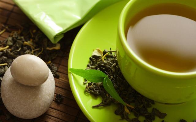 Ученые: Сок растений и зеленый чай способствуют подавлению коронавируса и гриппа