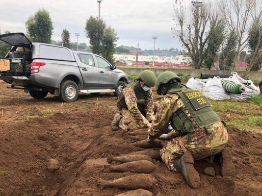 """Под тренировочной базой """"Ромы""""  найдены снаряды времен Второй мировой войны"""