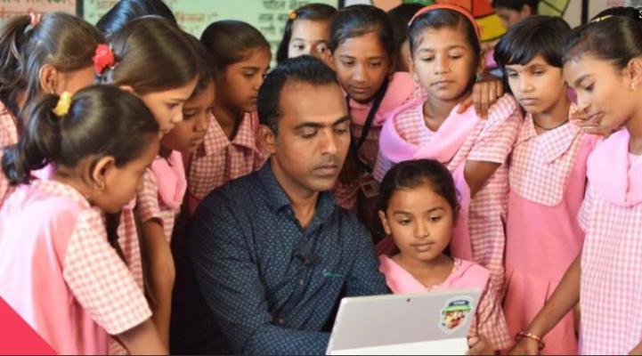 Ýylyň Global Teacher Prize baýragy hindistanly mugallyma gowşuryldy