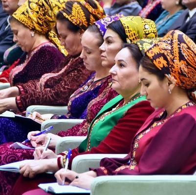 Туркменистан активизирует мероприятия по укреплению института семьи и обеспечению гендерного равенства