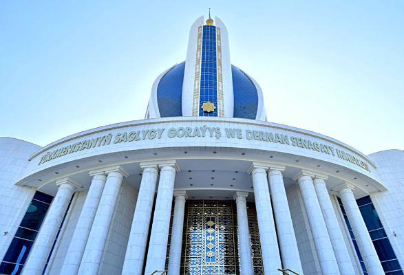 В регионах Туркменистана работают телефоны «горячих линий» для неотложной медицинской помощи