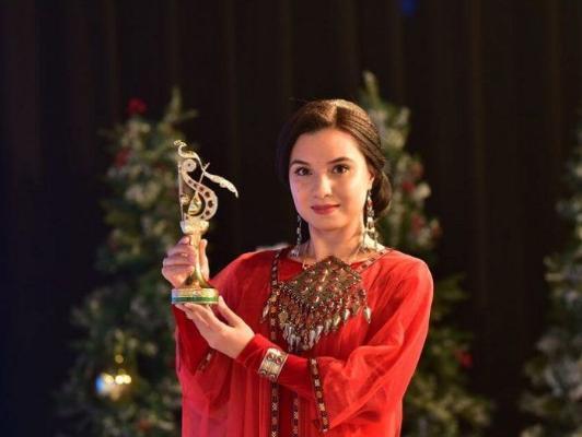 Leýli Ökdirowa — «Ýylyň parlak ýyldyzy-2020» diýen adyň eýesi