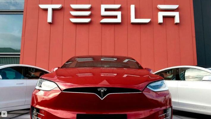 Tesla 2020-nji ýylda müşderilerine tas 500 müň elektromobil ýetirdi