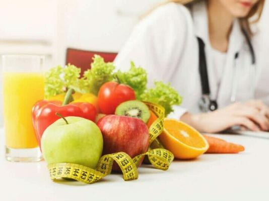 Врач рассказала о способах восстановить питание после праздников