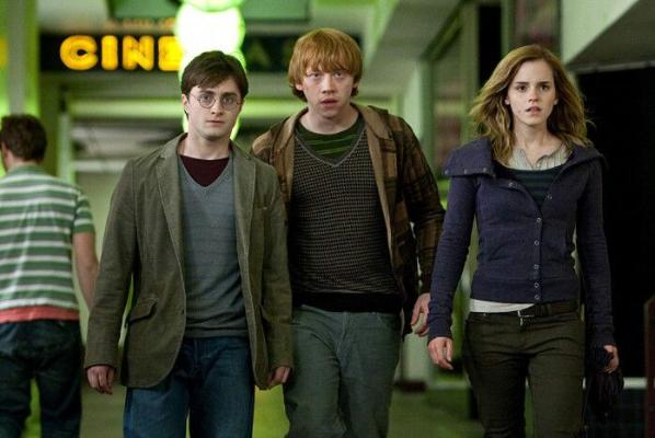 Harri Potter dolanyp gelýär