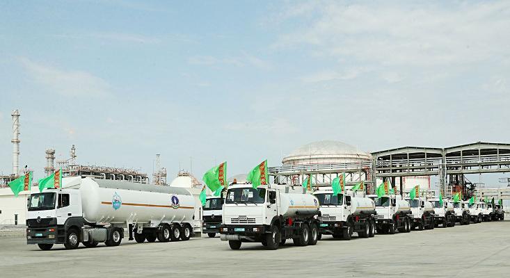 Туркменистан – крупнейший поставщик бензина в Афганистан