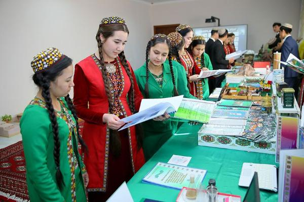 Türkmenistanda ýaşlar baradaky döwlet syýasatynyň 5 ýyllyk maksatnamasy kabul edildi
