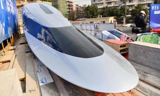 Китай испытывает поезд, развивающую скоростью до 620 км/час