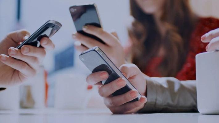 Пользователям советуют срочно удалить некоторые приложения из смартфона