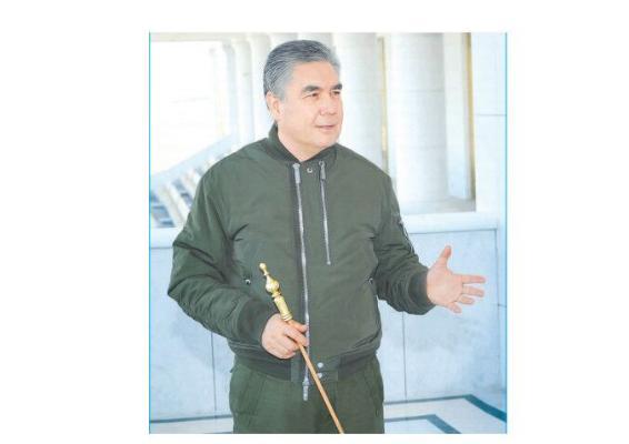 Бердымухамедов посетил знаковые стройобъекты Ашхабада