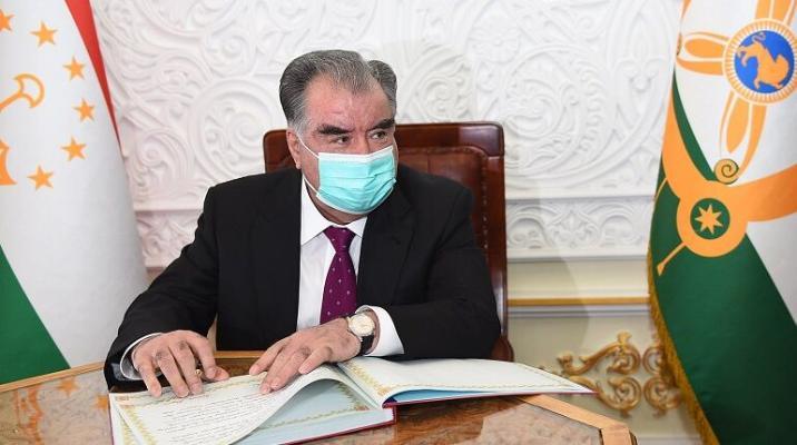 Эмомали Рахмон объявил о победе над коронавирусом в Таджикистане