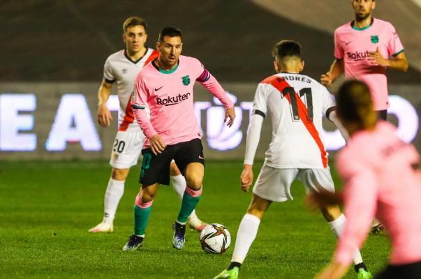 «Барселона» вышла в 1/4 финала Кубка Испании после камбэка в матче с «Райо»