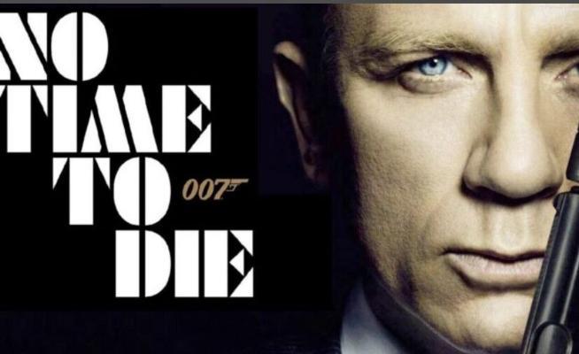 Премьера фильма о Джеймсе Бонде отложена из-за смартфонов Nokia