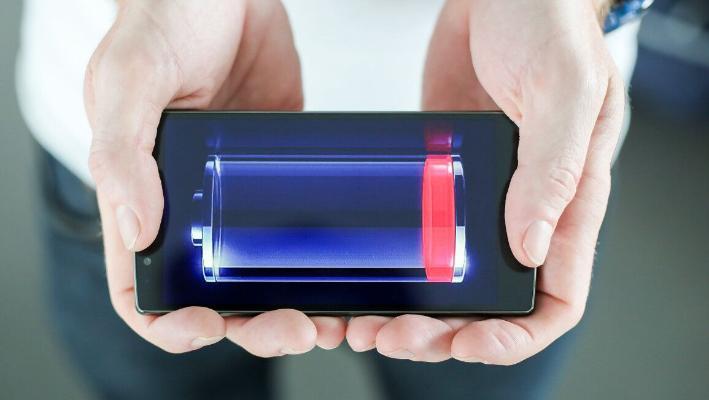 Smartfonyň batareýasynyň ömrüni nädip uzaltmaly?