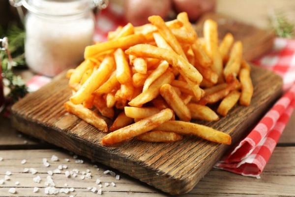 Ученые предупреждают о смертельной опасности картофели фри