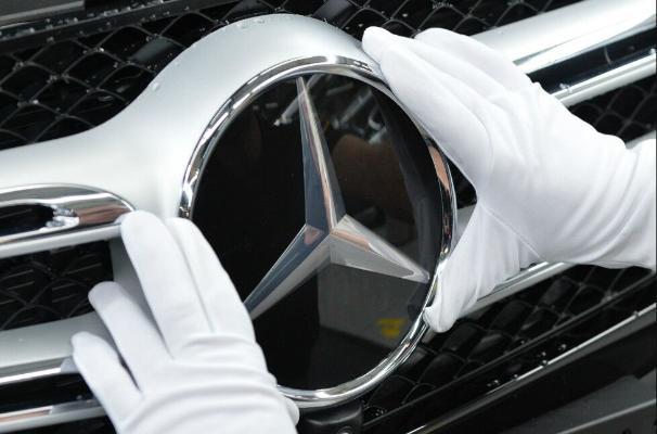 Автоконцерн Daimler разделят и переименуют в Mercedes-Benz