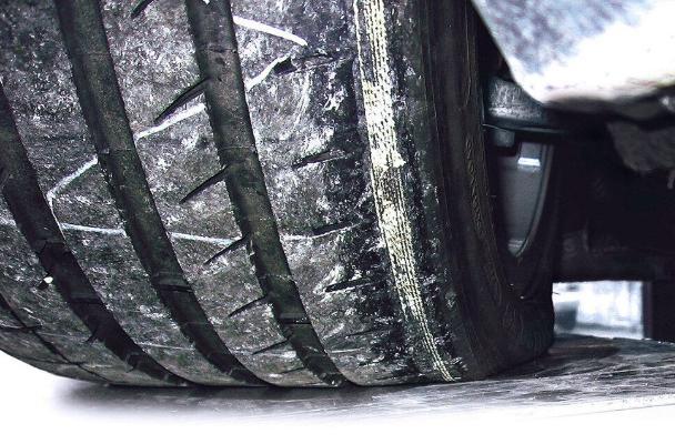 Специалисты дали совет, как замедлить износ зимних шин
