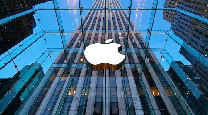 Apple alty ýylyň içinde 100 töweregi kompaniýany satyn aldy