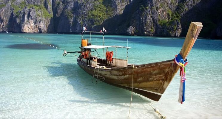 Таиланд постепенно снимает ковид-ограничения с туристических зон